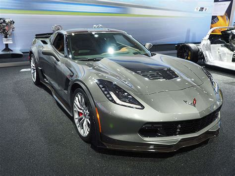 2015 corvette zo6 0 60 2015 chevrolet corvette z06 breaks 3 second 0 60