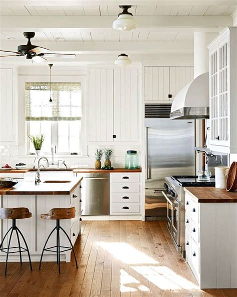 country kitchen with white cabinets 25 best ideas about white farmhouse kitchens on
