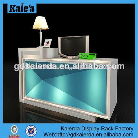 comptoir de caisse pour le magasin comptoir design design