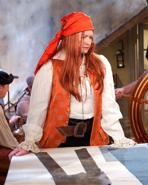 martha stewarts halloween costumes   years