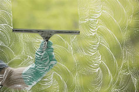 Fensterbrett Putzen by Fenster Putzen Reinigen Sie Ihre Fenster Wie Ein Profi