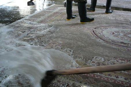 lavaggio tappeto persiano lavaggio tappeto un arte antica tappeti persiani udine
