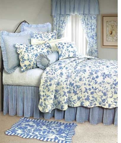 toile quilts and comforters 17 best images about toile bedding on pinterest indigo