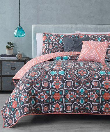 Coral And Gray Bedding by Best 25 Coral Bedspread Ideas On Grey Bed