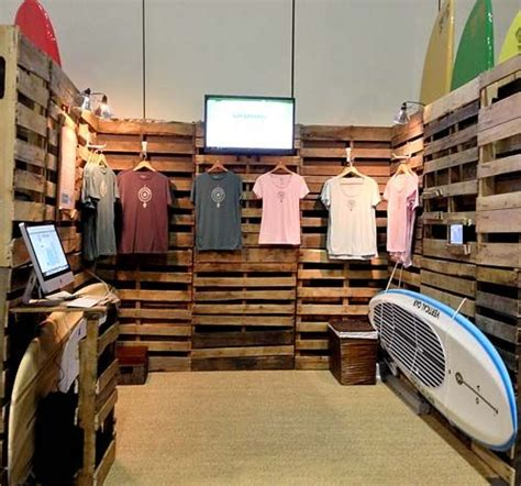Clothing Display Racks For Trade Shows by 219 Best Images About Rustic Craft Booth Ideas On