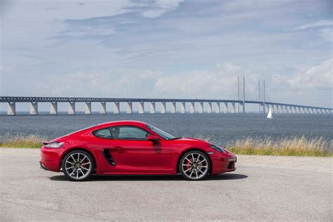 porsche cayman 2017 2017 porsche 718 cayman reviews and rating motor trend