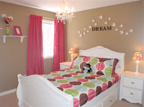 Pink Bedroom Ideas For Toddlers by I Like The Idea Of Walls With Pops Of Color