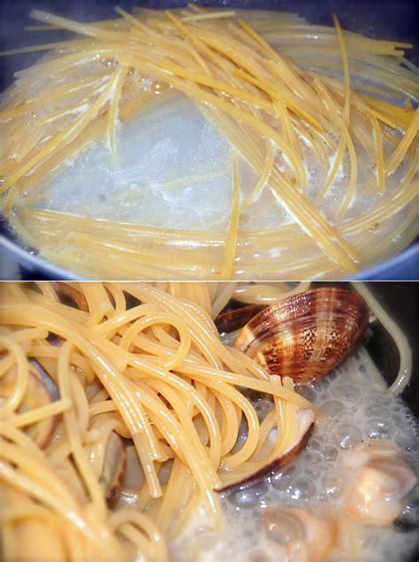come si cucina spaghetti alle vongole come cucinare gli spaghetti alle vongole perfetti