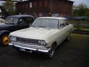 Opel Rekord B Opel Rekord B Baujahr 1965 1966 In Sandbeige Auf Dem