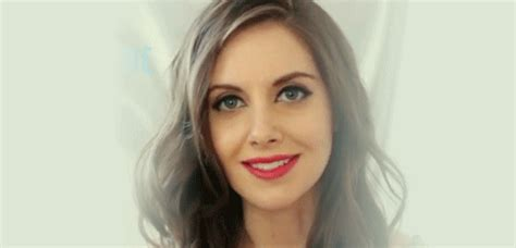 alison brie gifs find on giphy alison brie pretty gif find on giphy