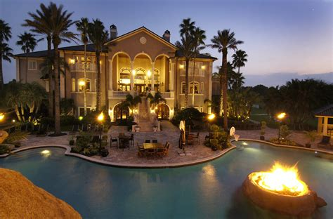 Luxury Homes Decorated For Christmas by Outdoor Nice Houses Pools Rent Big Mansions Homes