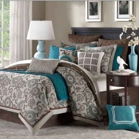 silver and teal bedroom 1000 ideas about grey and teal bedding on pinterest