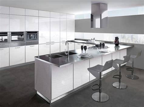 taburetes minimalistas espacio en blanco m 225 s de 100 ideas para cocinas minimalistas