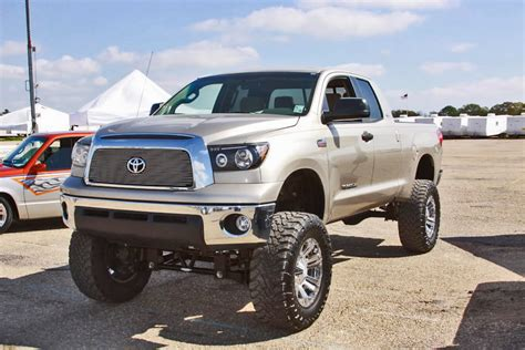 toyota truck lifted toyota truck 2013 lifted imgkid com the image kid