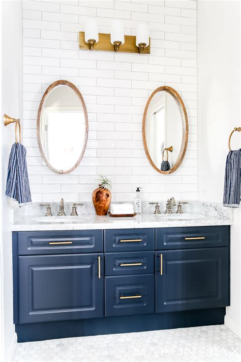 Navy And White Bathroom by Navy And White Bathroom Makeover Maison De Pax