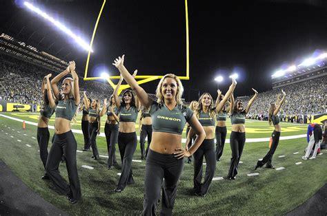 oregon ducks football cheerleaders 2013 oregon cheerleaders fishduck