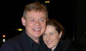 Doc martin star martin clunes uses his medical knowledge to stop