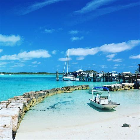 exuma boat rental boat rental area on staniel cay in the exuma islands of