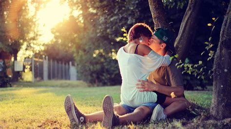 couple wallpaper in full hd kissing couple wallpapers pictures images