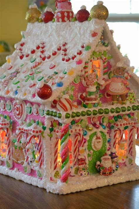 How To Make A Topiary Frame - 15 amazing gingerbread houses just short of crazy