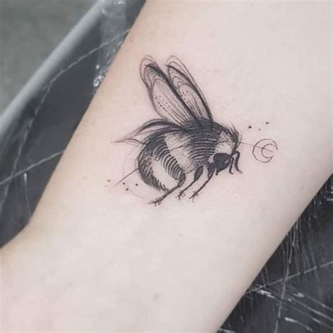 animal tattoo manchester 45 best manchester bee tattoos images on pinterest bee