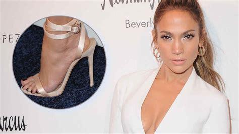 jennifer lopez zapatos jennifer lopez lanza una sexy colecci 243 n de zapatos junto a