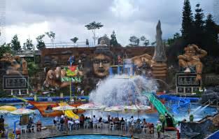 Malang Punya malang juga punya tempat wisata yang wajib di kunjungi lho
