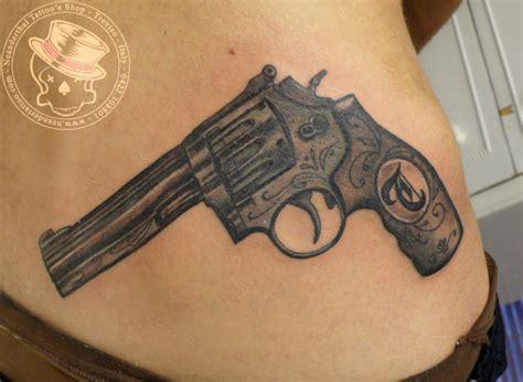 tattoo removal gun pin pistola on
