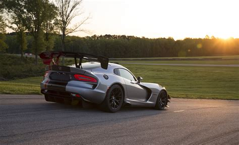 dodge viper 2016 2016 dodge viper acr photos specs and review rs