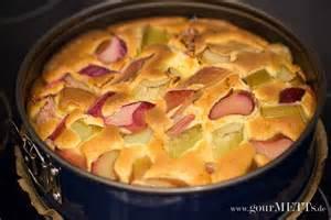 kuchen rhabarber baiser rezept rhabarberkuchen mit baiser gourmetts de