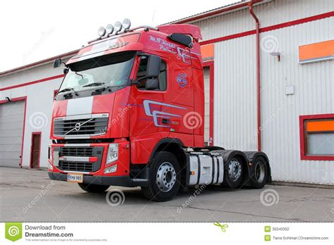 red volvo truck red volvo fh 500 truck editorial photography image 30340302