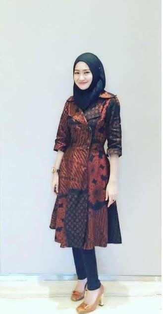 Baju Muslim Batik pakai model baju muslim batik simak tips berikut