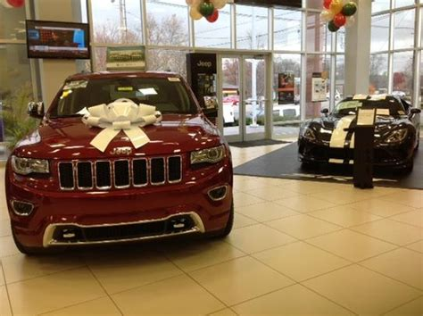 oxmoor chrysler dodge jeep ram louisville ky  car dealership  auto financing