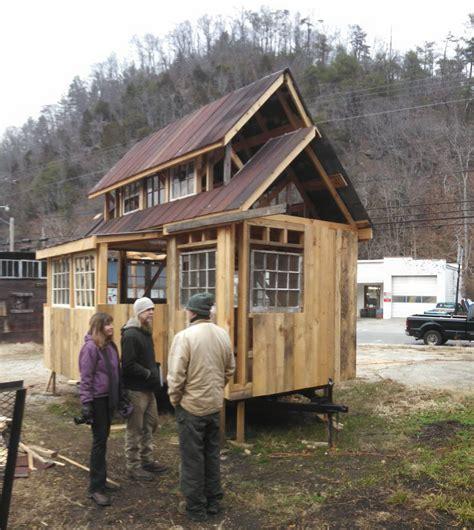 tiny house build tiny house