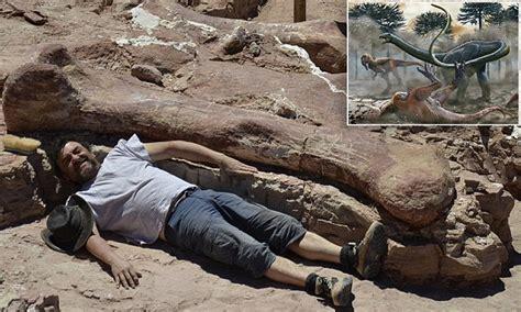 Sand Painting Besar fosil dinosaurus terbesar di dunia ditemukan di argentina