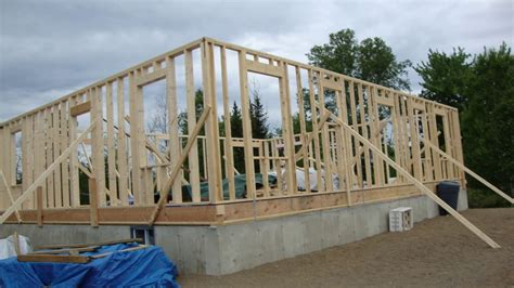 How to build your own House from scratch free and clear