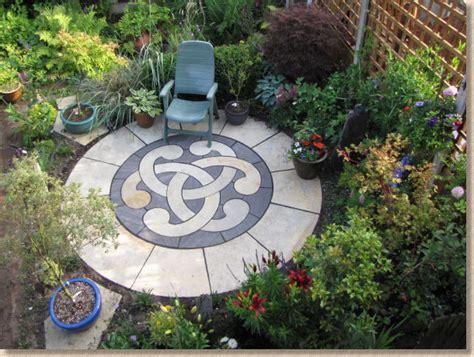 pavingexpert completed decorative circular patio feature