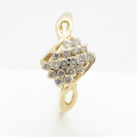 14k gold ring with 0 32 ct worth of diamonds