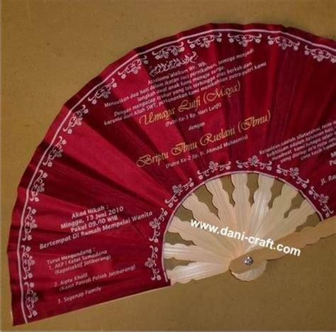Kipas Undangan Warna Indah undangan pernikahan murah unik undangan kipas murah souvenir pernikahan