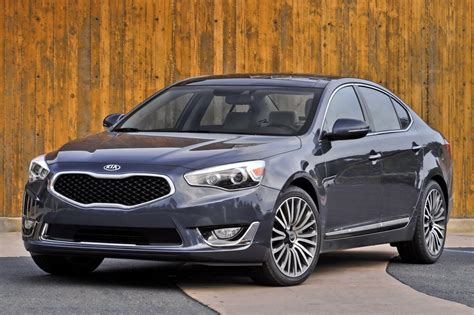 2015 kia sedan used 2015 kia cadenza sedan pricing for sale edmunds