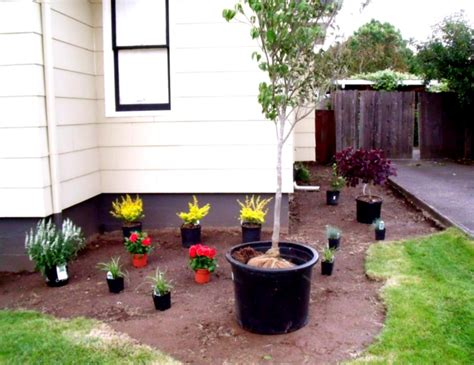 Townhouse Backyard Landscaping Ideas Landscaping Surprising Small Backyard Landscape Ideas For Your Front Yard Townhouse Garden Trends