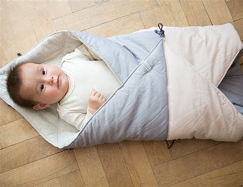Sleeping Bag Baby Tzum Tzum Pink it s a bird it s a sleeping bag no it s play fold bird