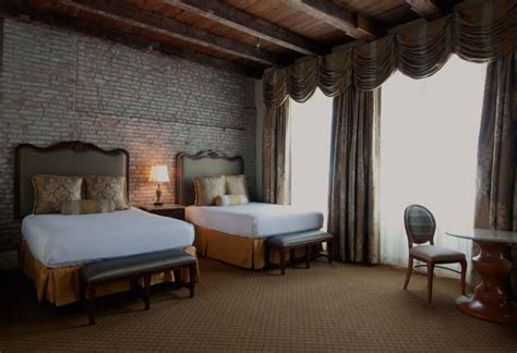 Balcony Rooms In New Orleans by French Quarter Hotel In New Orleans French Market Inn