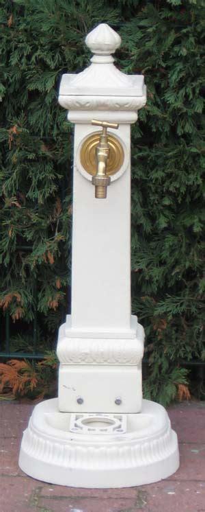 Nostalgischer Wasserhahn Garten by Nostalgischer Standbrunnen Mit Wasserhahn 100cm Weiss Auf Garten