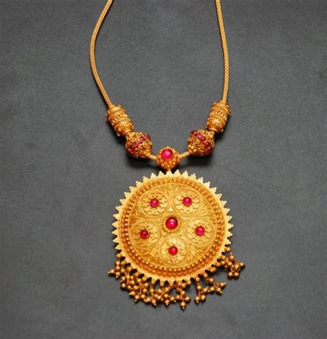 gold jewellry wallpaper bridal gold jewellery hd wallpapers free hd wallpapers