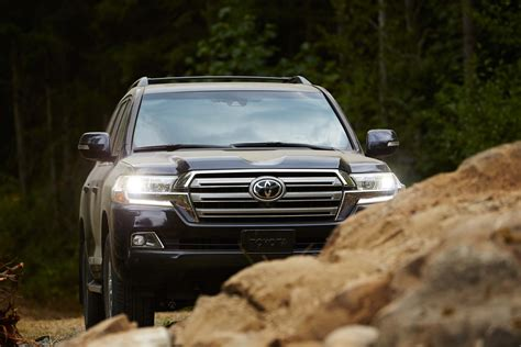 2019 Toyota Land Cruiser by 2019 Toyota Land Cruiser Review Ratings Specs Prices