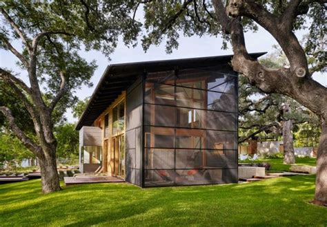 Three Season Porch by The Hog Pen Creek Residence By Lake Flato Contemporist