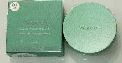 Bedak Wardah Biru o lotus story o wardah exclusive two way cake