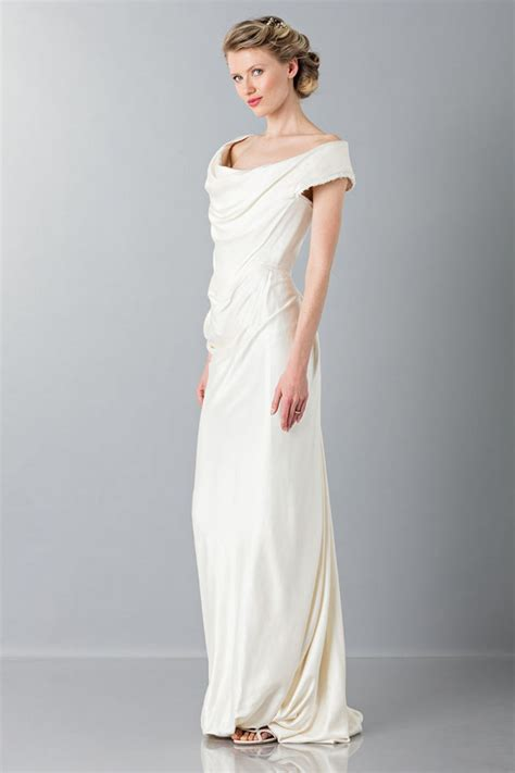 Rent a Vivienne Westwood dress   Wedding dress