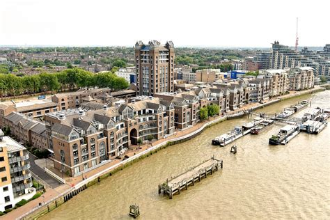 thames clipper plantation wharf plantation wharf properties in south west london on river